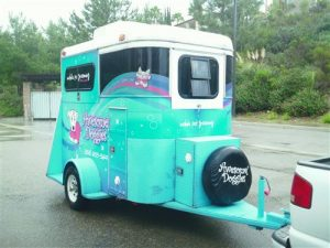 awesome-doggies-mobile-grooming-unit